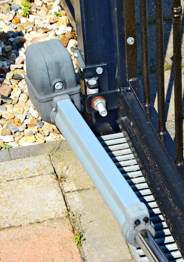 metallbau antriebe 1 768x1090 - Metallbau